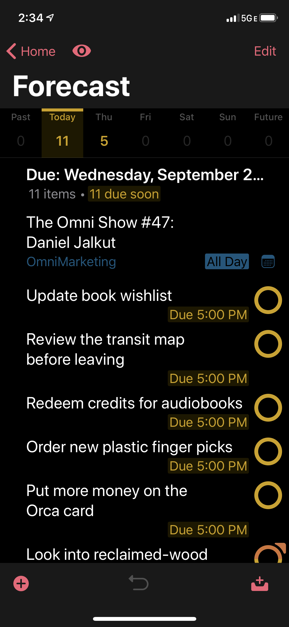 Screenshot showing OmniFocus running with iOS 13 Dark Mode enabled.